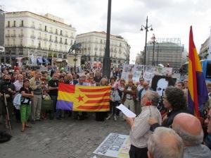 Homenaje republicano a Lluis Companys en Madrid ante la sede del gobierno autonómico en la Puerta del Sol.