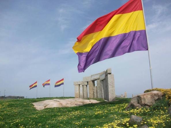Monumento a los heroes de la libertad en A Coruña